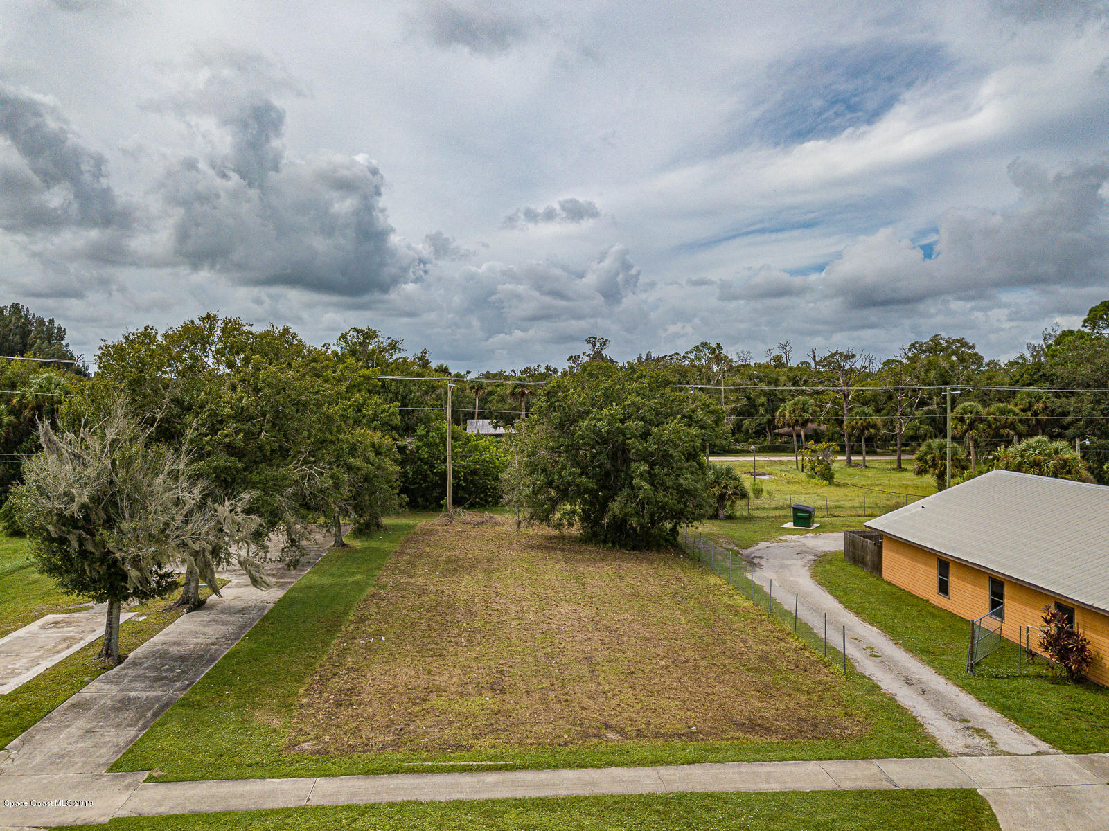 118 N Broadway Street, Fellsmere, FL 32948 - Fellsmere, FL real estate listing