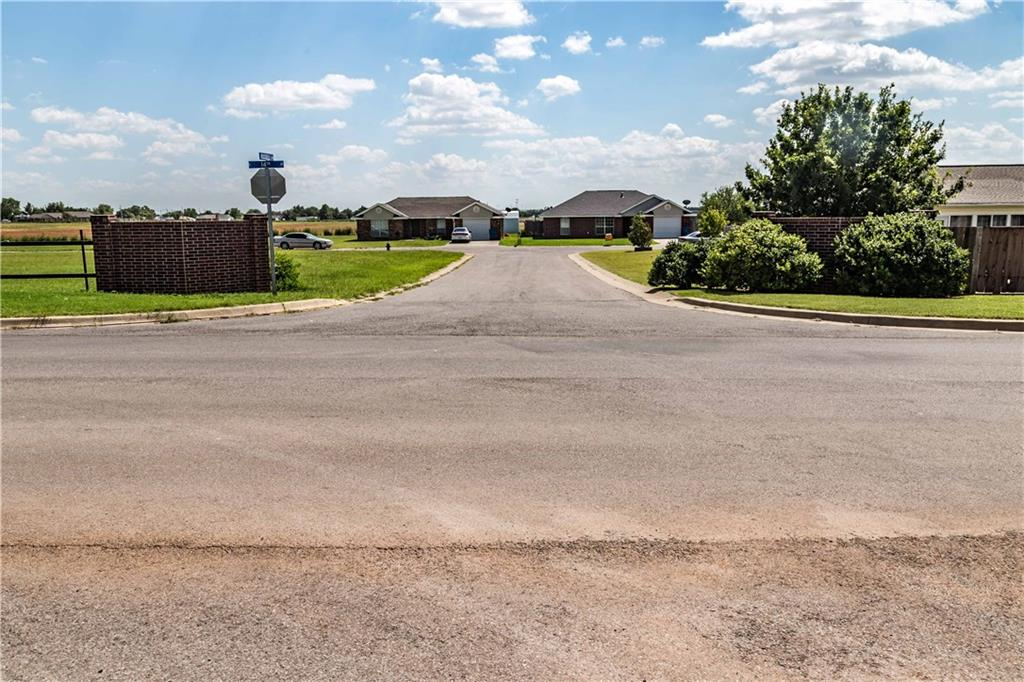 RUSSELL AVE. UNIT#1, Cordell, OK 73632 - Cordell, OK real estate listing