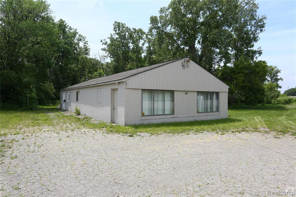 9669 Highland Road, White Lake Twp, MI 48386 - White Lake Twp, MI real estate listing